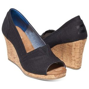 Toms Classic cork wedge